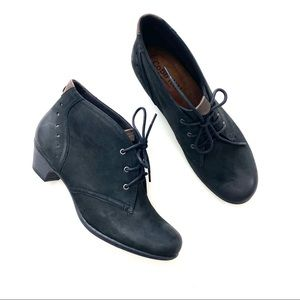 Cobb Hill by New Balance Aria Ankle Boots